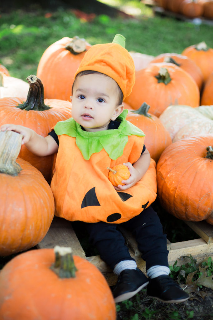 How to take Fall Pumpkin Patch Photos of your Kids