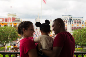 How to take a FAMILY TRIP TO DISNEY FOR $500