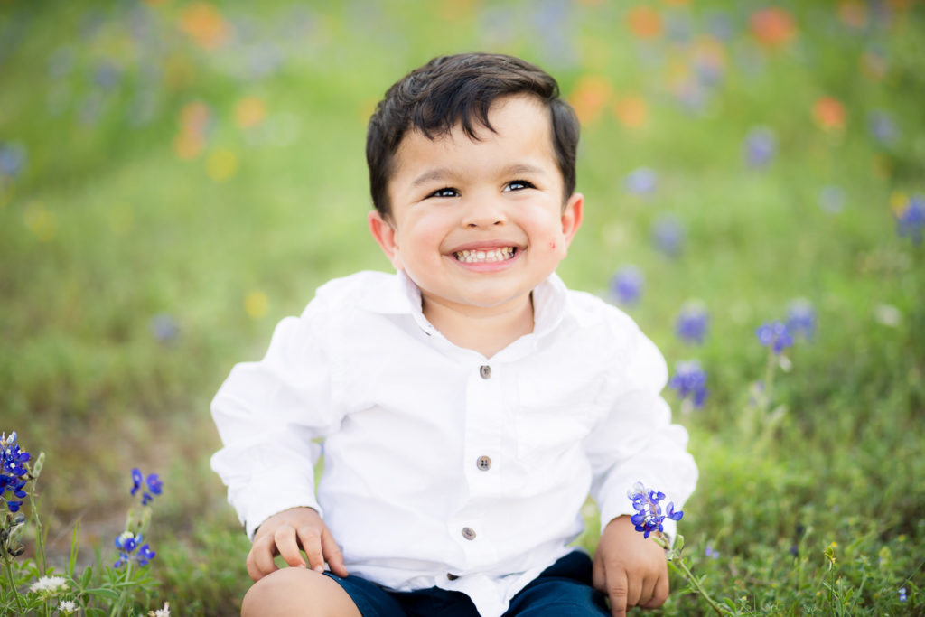 How to take pictures of your kids in the Bluebonnets!