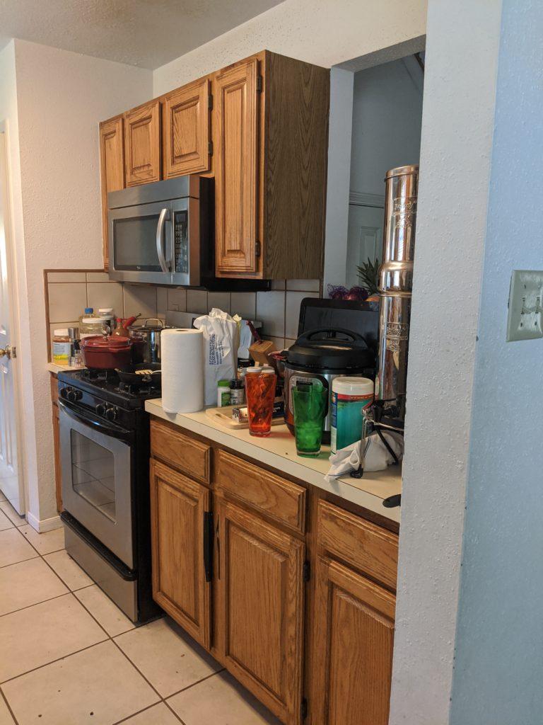 Old Builder Grade Messy Kitchen Cabinets